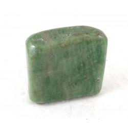 Hydrogrossular Garnet Pebble